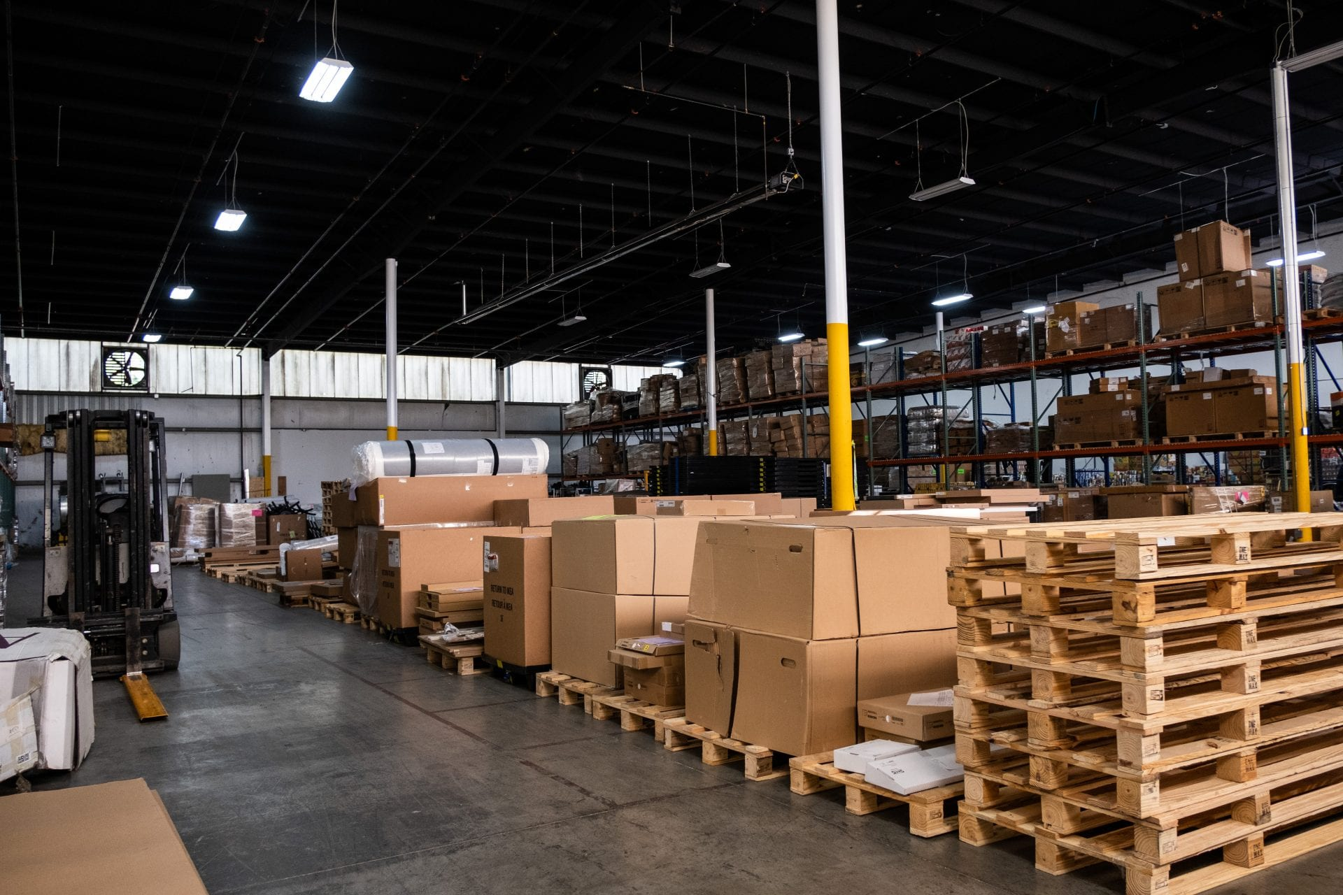 Warehouse and Fulfillment Center Nashville TN providing Shipping Services along with Business and Commercial Storage with Cross Docking and kitting services